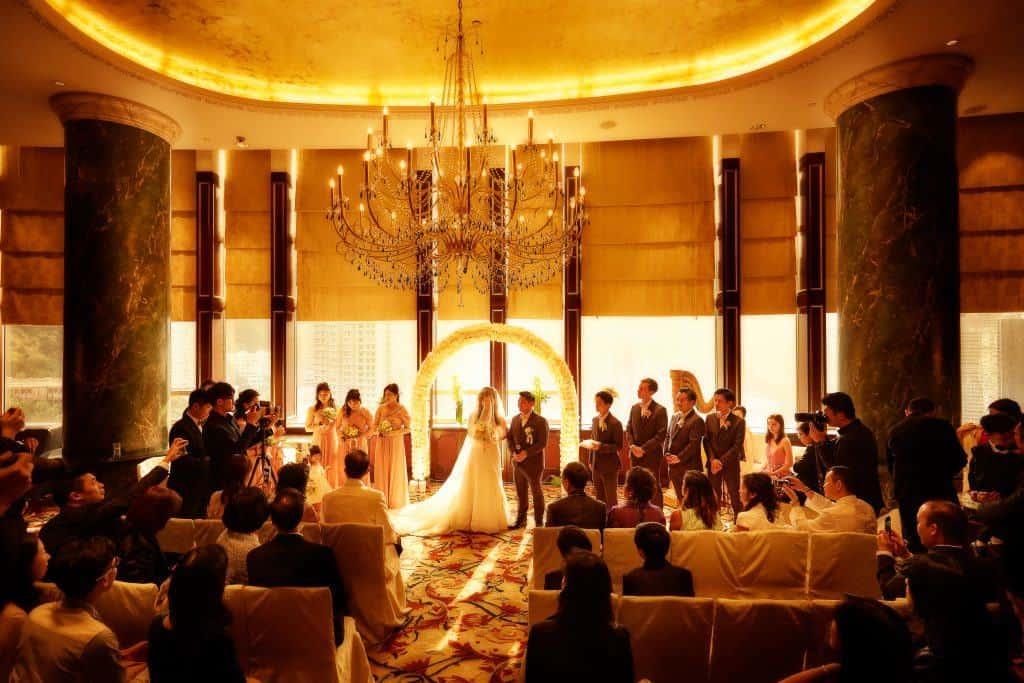 Ceremony venue: The Library, Island Shangri-La – Banquet venue: Atrium, Island Shangri-La