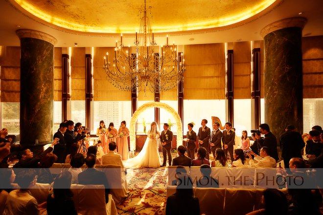 Beautiful wedding venue - Atrium Island Shangri-La - wedding of Fiona and Steven